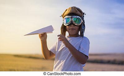 il portare, ragazzo, poco, casco, conveniente, immaginazione, aviatore, carta, mentre, aereo, tramonto, gioco, fare un sogno