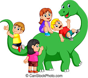 the children playing on the apatosaurus body and get into it...