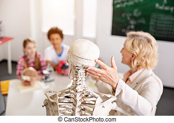 Selective focus of a skeleton