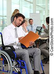 im, grupa, wheelchair., handlowy zaludniają, pokój, jeden, spotkanie