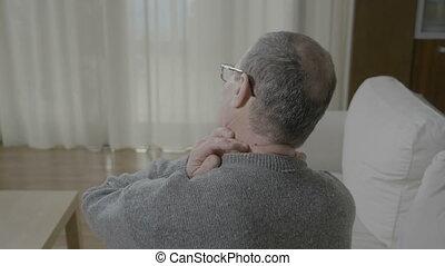 imadło, jego, ból, szyja, kolumna, masując nazad, posiadanie...
