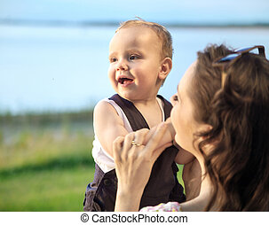 image bébé, porter, femme, amende