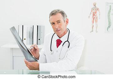 image, bureau, poumons, docteur, confiant, rayon x