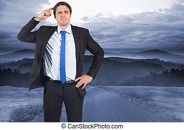 image composée, de, pensée, homme affaires, grattant tête