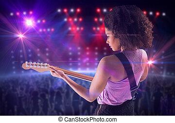 image composée, guitare, jolie fille, jouer