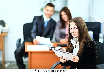 image, de, associés, discuter, documents, et, idées, à, réunion