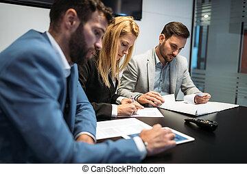 Angle bureau professionnels lev plan discuter for Bureau de licence