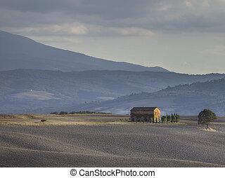 image of a tuscany italy farm house