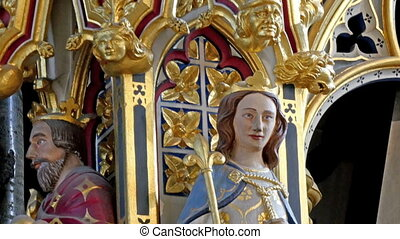 Image of Mary and Joseph sculptures inside the Westminster Abbey church