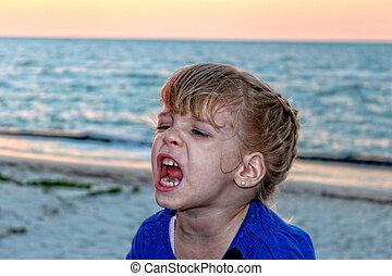 Shouting girl - Image of Shouting girl on a beautiful beach