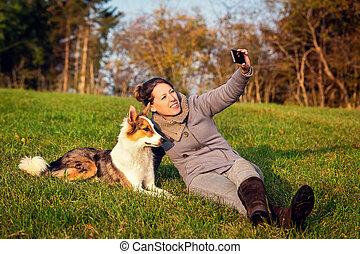 image, pré, femme, elle, selfie, chien, vert, mémoire, marques