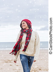 imagem composta, de, mulher, em, elegante, roupa morna, em, praia