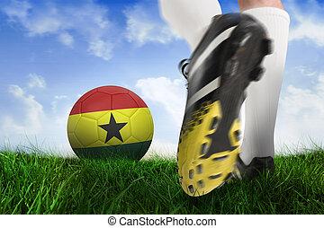 imagen compuesta, de, arranque del fútbol, patear, ghana, pelota