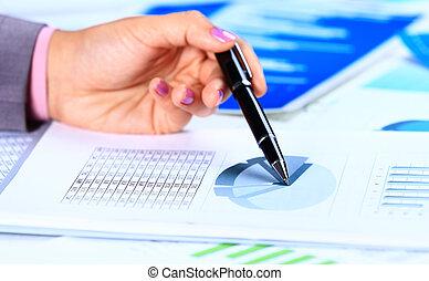imagen, de, mano femenina, el señalar en, documento de negocio, durante, discusión, en, reunión
