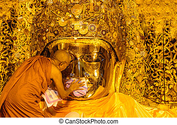 imagen, monje, lavado, mahamuni, buddha, 26:, 3º edad,...