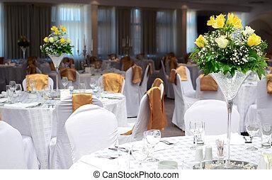 imaginación, tabla, conjunto, para, un, boda, con, hermoso, flores amarillas