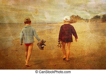 immagine, camminare, vendemmia, giovane, due, spiaggia, bambini