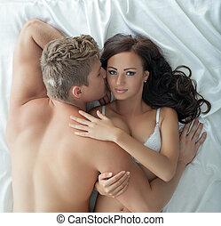 immagine, di, appassionato, amanti, abbracciare, letto