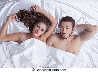 immagine, di, giovane, coppia eterosessuale, proposta, letto