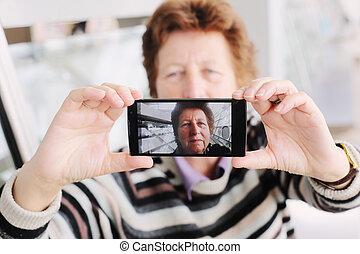 immagine, donna, mobile, presa, selfy, congegno, anziano
