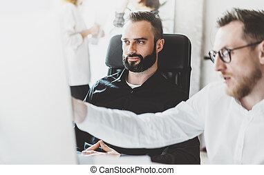 immagine, lavoro, managers, rischio, lavorativo, pensare, process.finance, effect.horizontal, moderno, avvio, presentation.blurred, equipaggio, office.desktop, computer, idea.young, tavola, affari nuovi