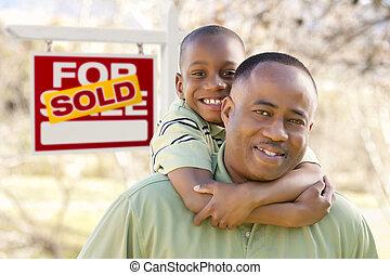 immobiliers vendus, père, fils, devant, signe