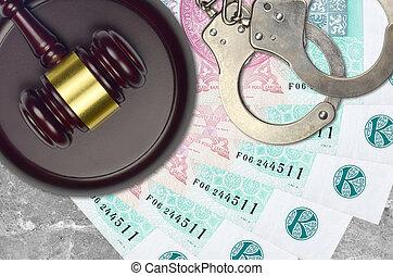 impôt, action éviter, procès, desk., korun, marteau, police, juge cour, judiciaire, menottes, factures, concept, tchèque, ou, 100, bribery.
