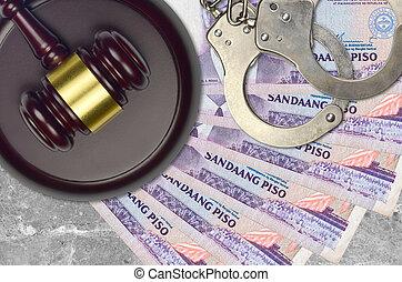 impôt, action éviter, procès, philippine, desk., marteau, tribunal, police, 100, juge, judiciaire, menottes, factures, concept, ou, piso, bribery.