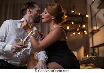 impassionate, uomo donna, bere, champagne, letto
