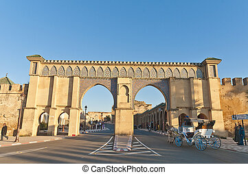 Imperial City door at Meknes, Morocco - Imperial City main ...