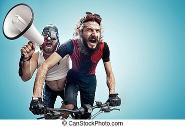 implicado, hilarante, dos, ciclistas, concurso