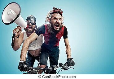 impliqué, hilare, deux, cyclistes, concours