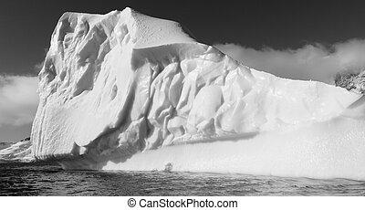 Impressive iceberg