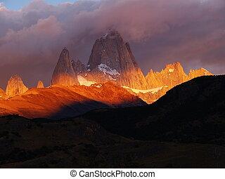 Impressive Mount Fitz Roy - Cerro Chaltén (3375m), also...