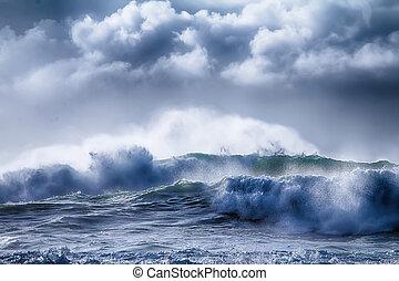 impressive storm on Pacific coast