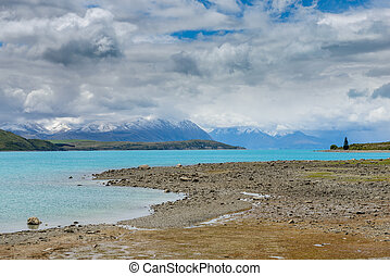 Impressive water colour and mountain landscape at the Tekapo Lake