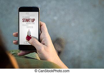 início, andar, mulher, smartphone, cima