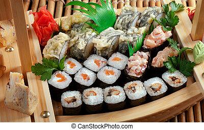 in crosta, sushi, assortito