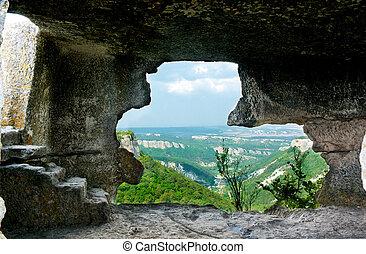 in, grotta
