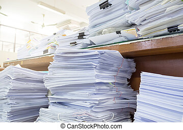 inacabado, escritorio de oficina, pila, desordenado, paperworks