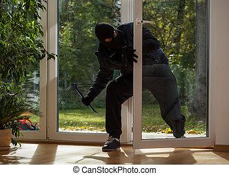 inbrottstjuv, skriva in, genom, den, balkong, fönster