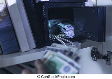 inbrottstjuv, tagande, pengar, och, halsband
