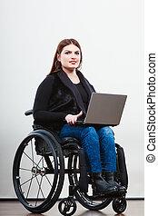 incapacitado, computador portatil, mujer, wheelchair.