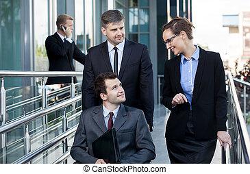 incapacitado, frente, homem, centro negócio