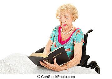 incapacitado, mulher sênior, lê, bíblia