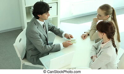 Income distribution - Manager sharing money between him and...