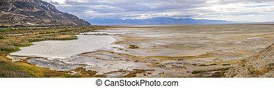Incredible view of the Great Salt Lake in Utah
