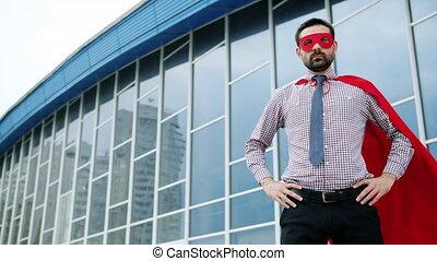 indépendant, cap, homme, rouges, porter, dehors, superhero, ...