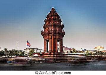 Independence Monument, Phnom Penh, Travel Attractions in Cambodi