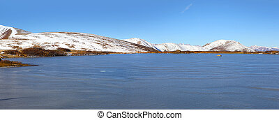 Independence pass - Panoramic view of Frozen lake at ...
